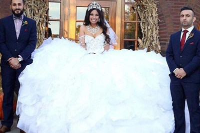 woman in balloon wedding dress