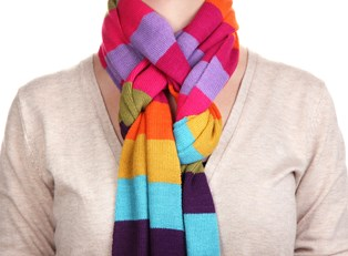 3 Easy and Stylish Ways to Tie a Scarf