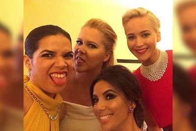 The 10 Best Selfies of the 2016 Golden Globes