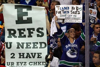 30 Hilarious Signs from Sporting Events
