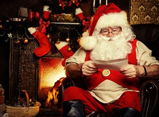 9 Santas From Around the World