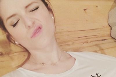 Anna Kendrick takes a nap