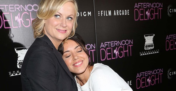 amy poehler playing mom to aubrey plaza