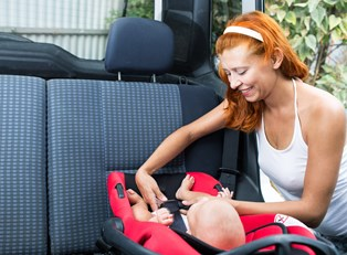 Choosing a Car Seat: A Guide for the First-Time Parent