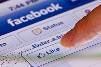 10 Facebook Actions Everyone Should Know How to Do