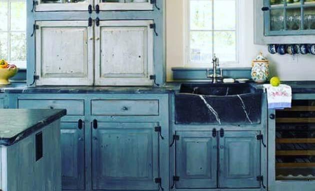 40 Tacky Kitchen Decor Mistakes