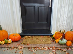 Three Spook-tacular Halloween Porch Ideas